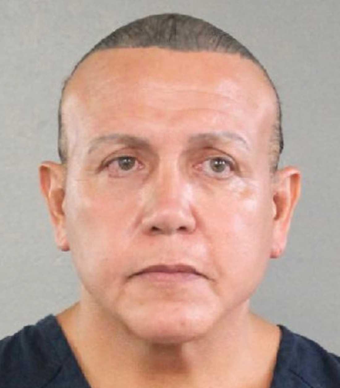 Cesar Sayoc Jr har gripits misstänkt för bomberna i USA.