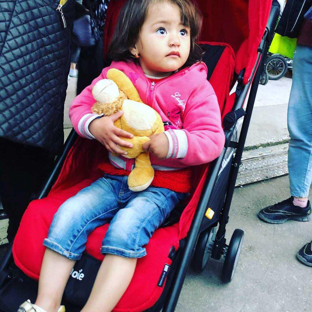 I alla barnvagnar fanns ett gosedjur till barnen.