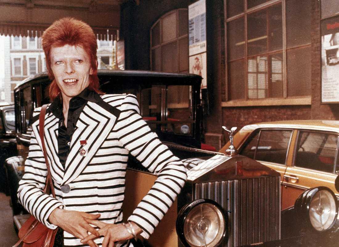 6 David Bowie.