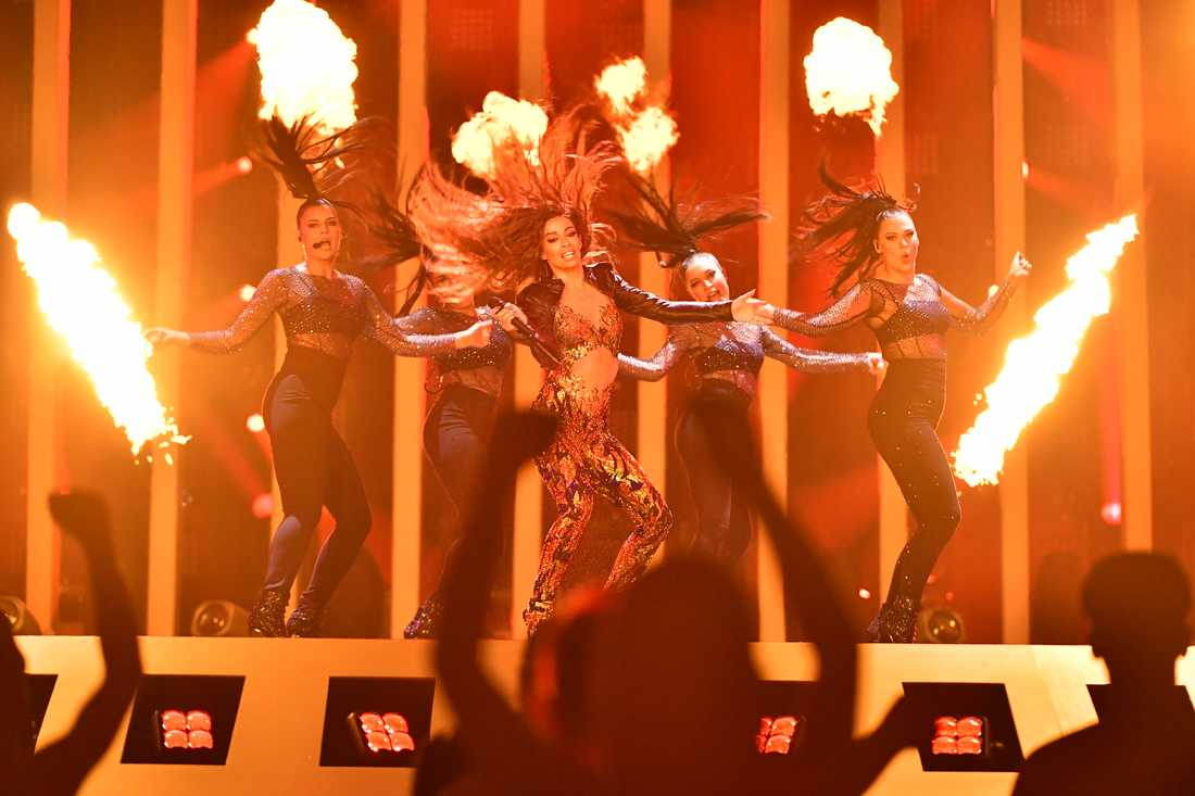 "Cyperns Eleni Foureira tävlar med svenskpennade ""Fuego"" i Eurovision song contest"
