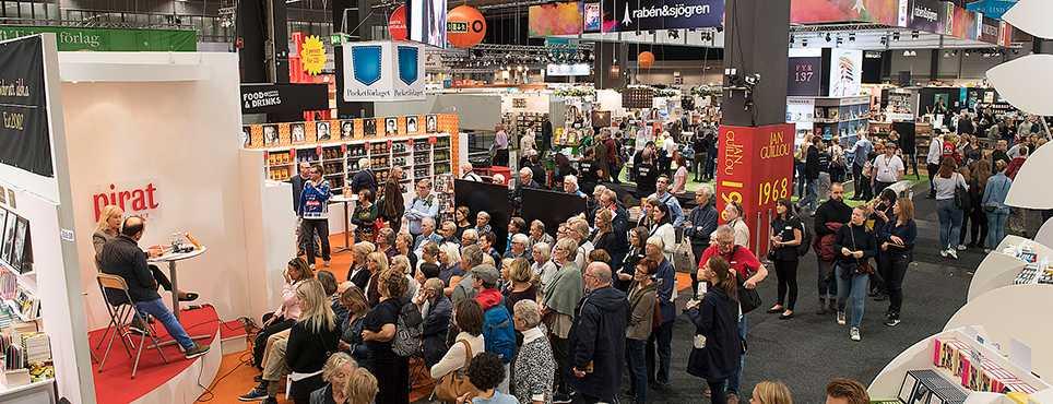 En hastigt utlyst bojkott fick ersätta en urladdning där åsikter hade kunnat stångas mot varandra, skriver Åsa Linderborg om årets bokmässa.
