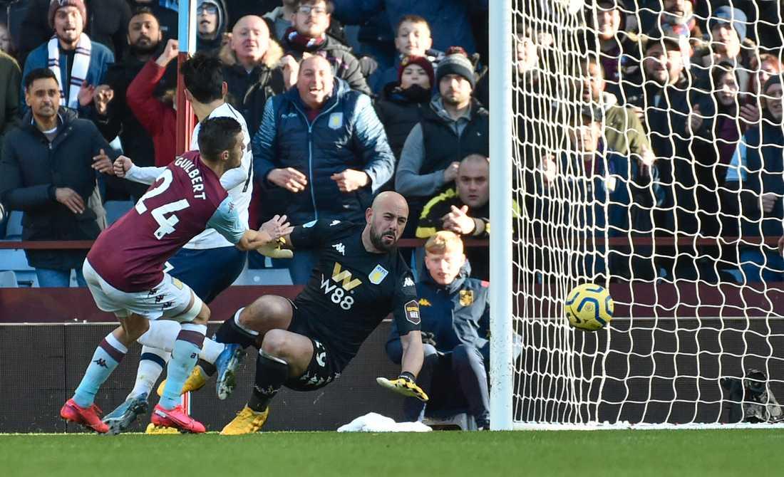 Son Heung-Min avgjorde med sitt 3–2-mål borta mot Aston Villa.
