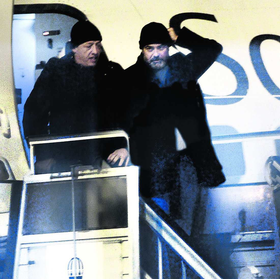 Strax efter klockan tio i går kväll landade reguljärflyget från Arlanda på Åre Östersund flygplats och ur steg en skäggig George Clooney.