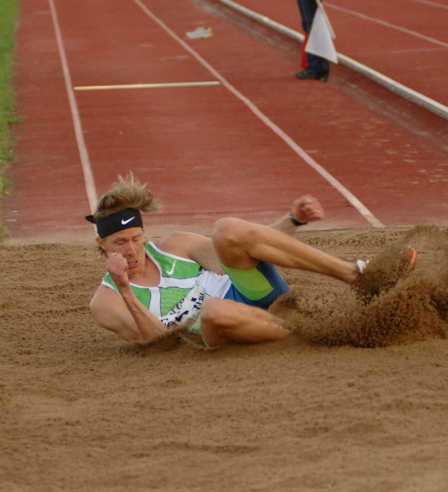 KARLSKRONA 2006 Christian Olsson gör comeback i Karlskrona 2006 och hoppar 17,09.