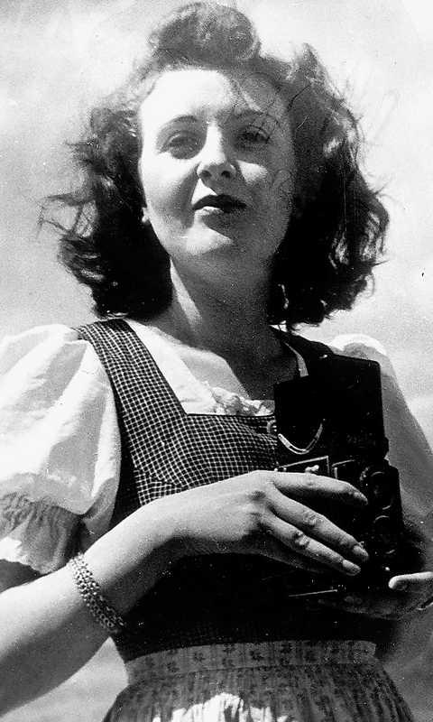 Eva Braun i dirndl...