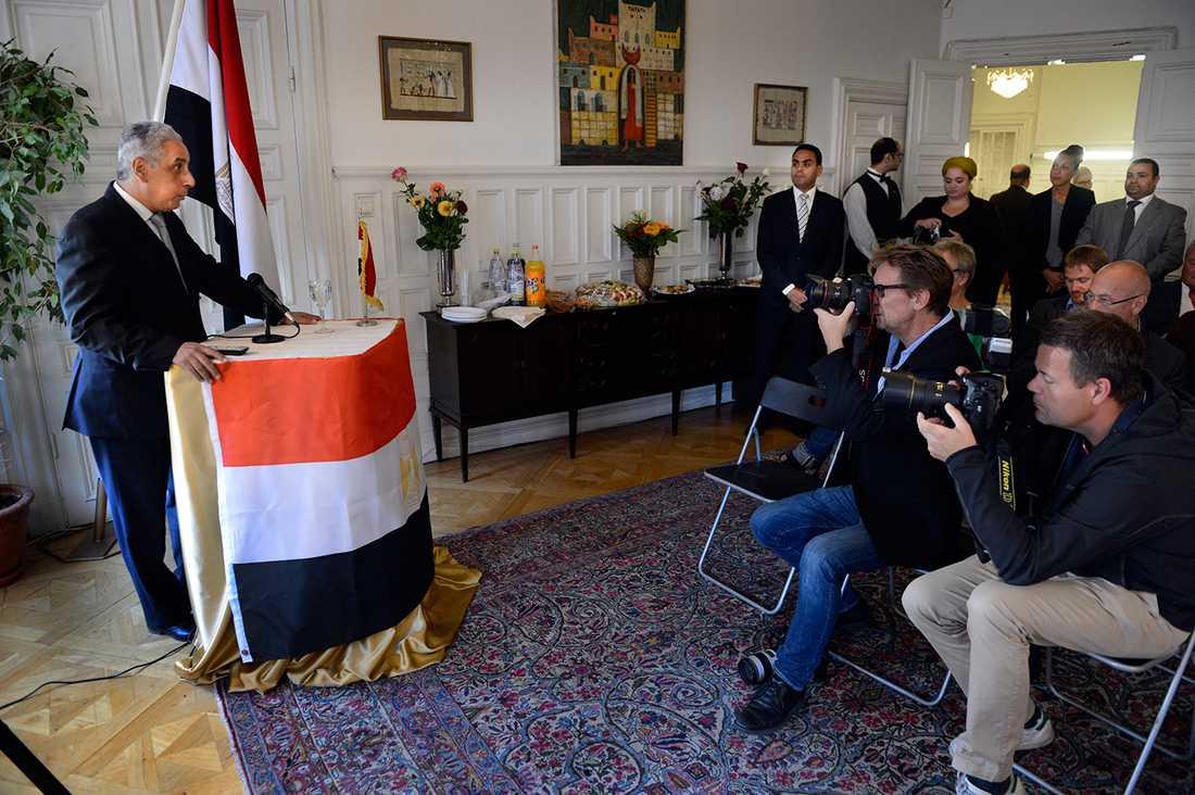 """Ambassadören bjöd in journalister för att """"rätta till"""" bilden av vad som händer i Egypten."""
