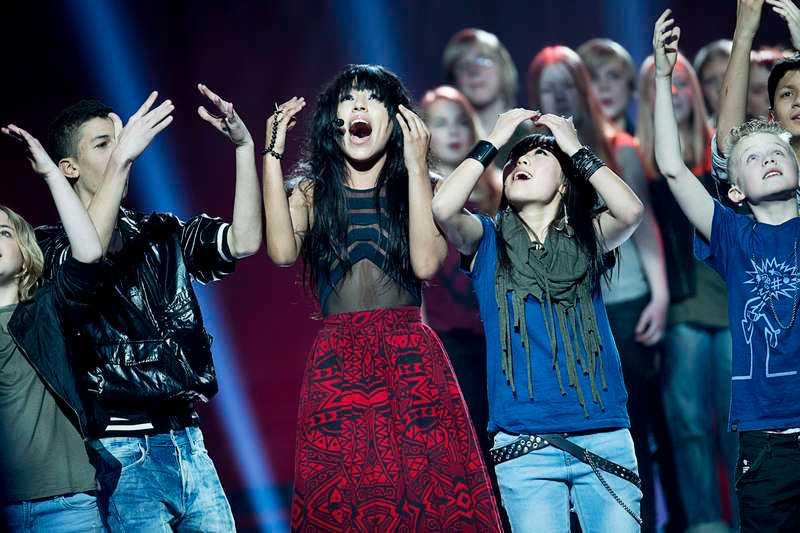 """Kör med kör Loreen ska öppna Eurovision song contest och nu kan Nöjesbladet avslöja att hon kommer att ta hjälp av körer från teckenspråkskolan Östervångsskolan och musikklasserna Bergaskolan och Djupadalsskolan i Malmö. """"Det blir väldigt vackert, mäktigt och engagerande. Och väldigt känslosamt"""", säger Christer Björkman."""