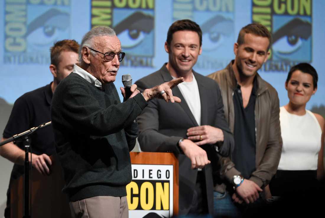 Stan Lee, Hugh Jackman, Ryan Reynolds och Brianna Hildebrand.