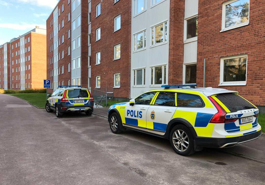 Polisen rubricerar händelsen som mordbrand.