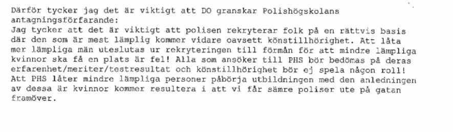 Polismannen som misstänks för delaktighet i den utpekade massagebordellen anmälde Polishögskolan för diskriminering av män.