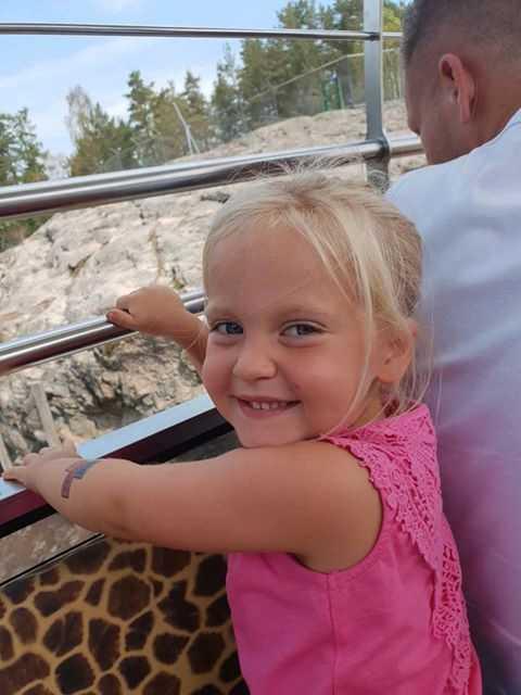 Min Stora Dag ordnade att hon fick besöka Kolmården med sin familj.