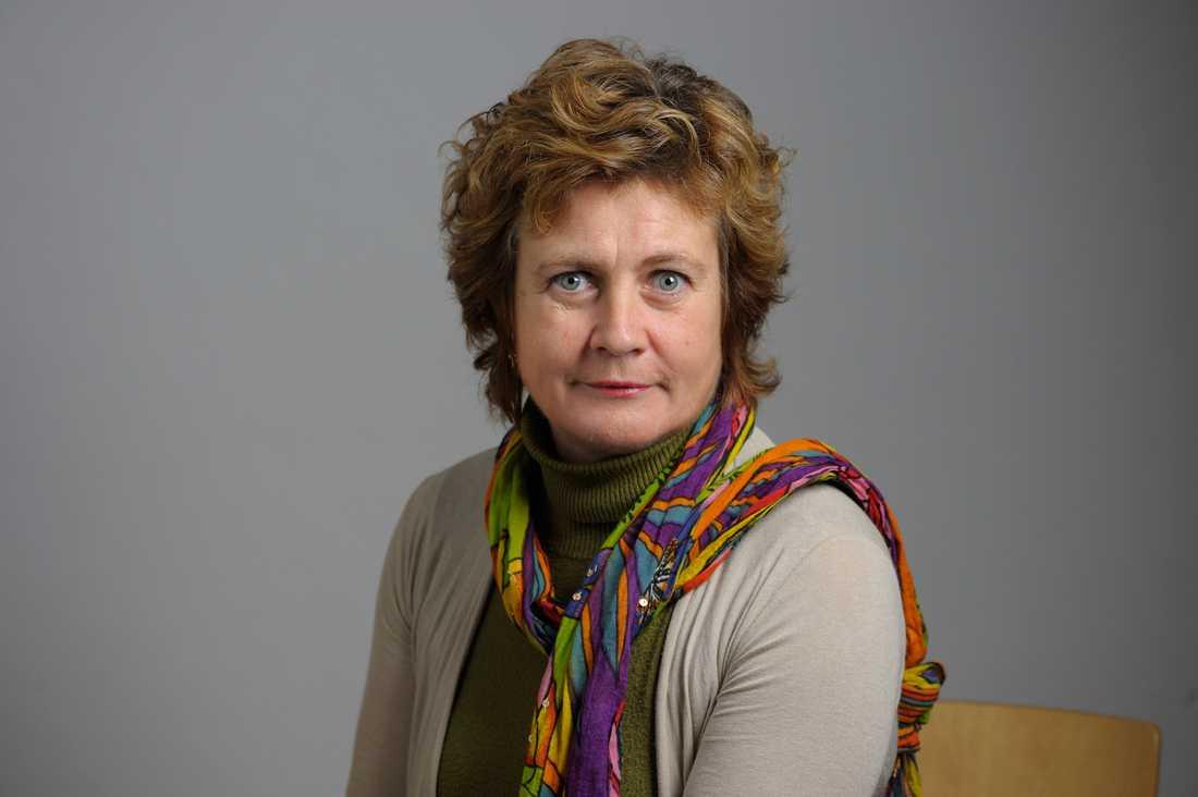 Här är M-topparnas integrationskrav på Anna Kinberg Batra. En majoritet av partiets länsförbund vill att man driver på för skärpta försörjningsregler för anhöriginvandring. – Ställer vi krav på vanliga medborgare så ska vi ställa krav på nya också, säger Cecilia Magnusson, M-ordförande i Göteborg.