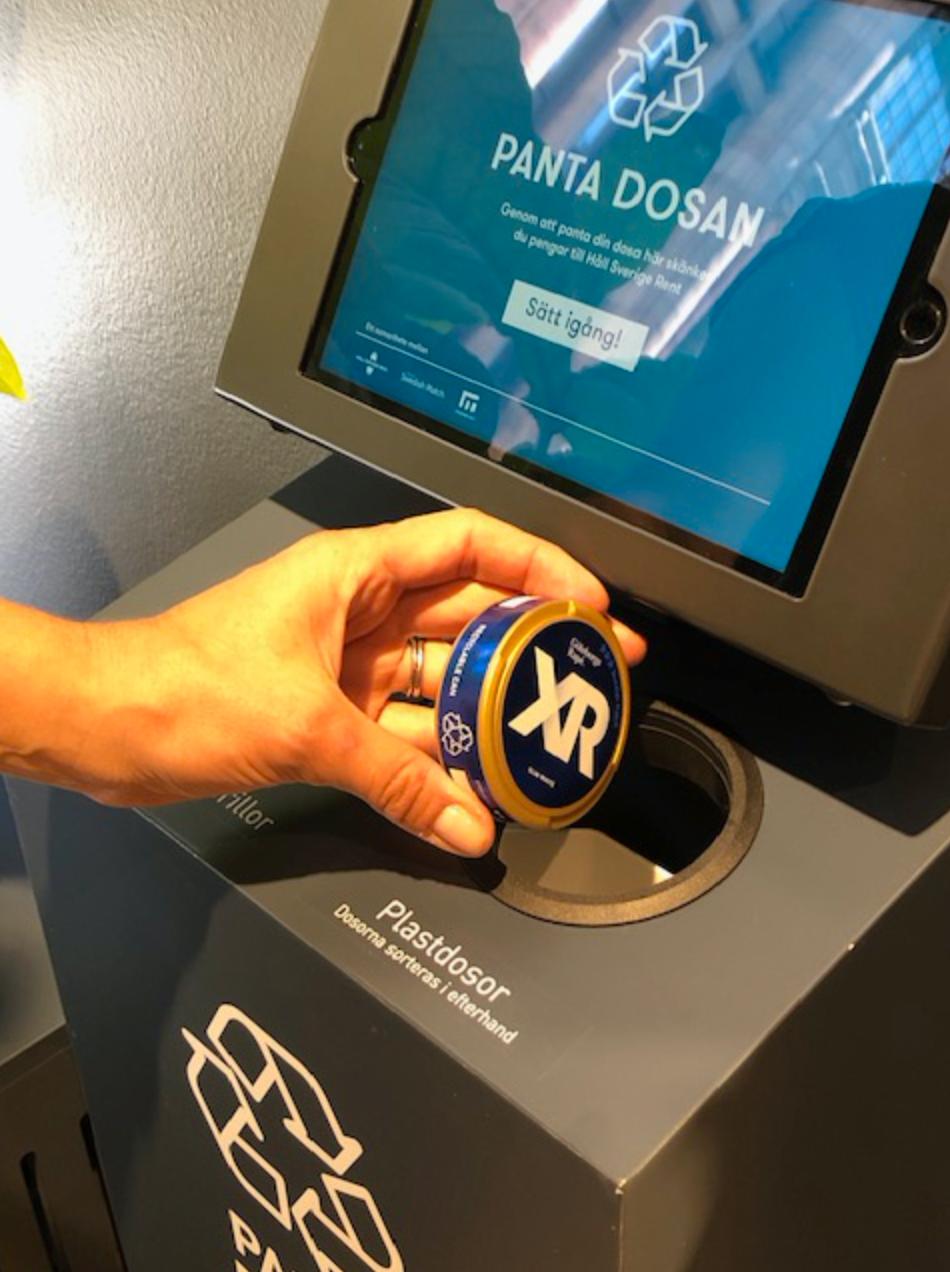 Två kronor per dosa går till Håll Sverige Rent – om man fyller i sina kontaktuppgifter.