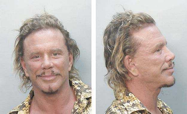 80-talsstjärnan Mickey Rourke, 51, körde en grön vespa i onyktert tillstånd för några månader sedan och fick föras till en polisstation .