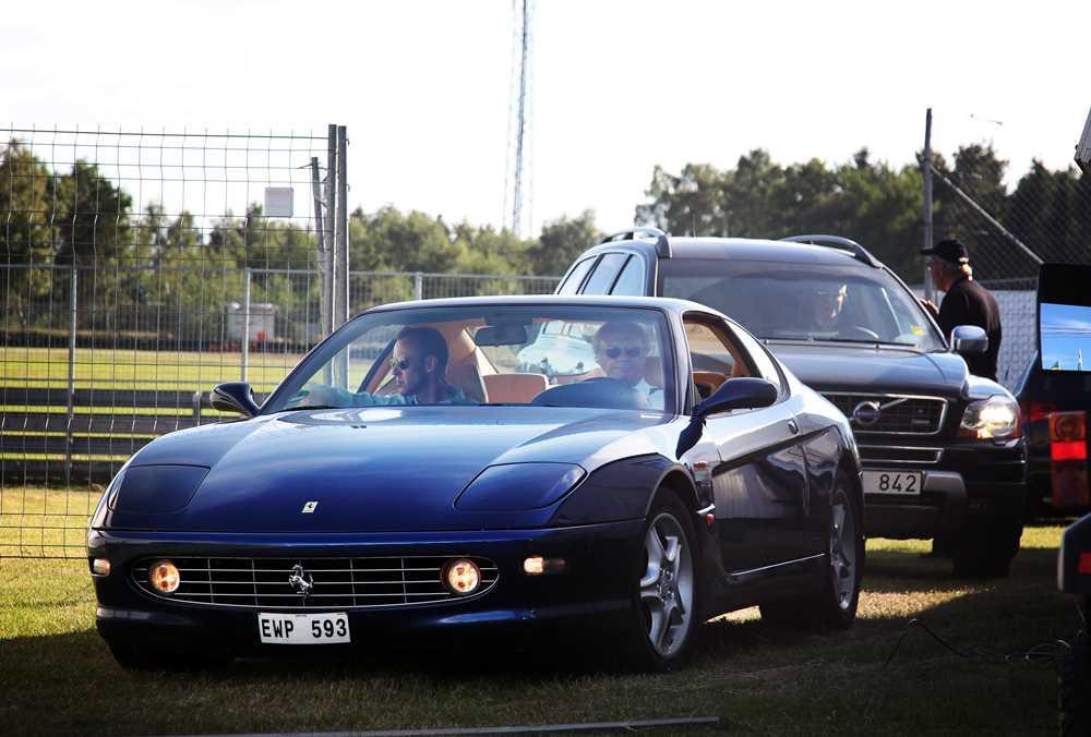 Kungen rattar sin Ferrari 456 från 1999.