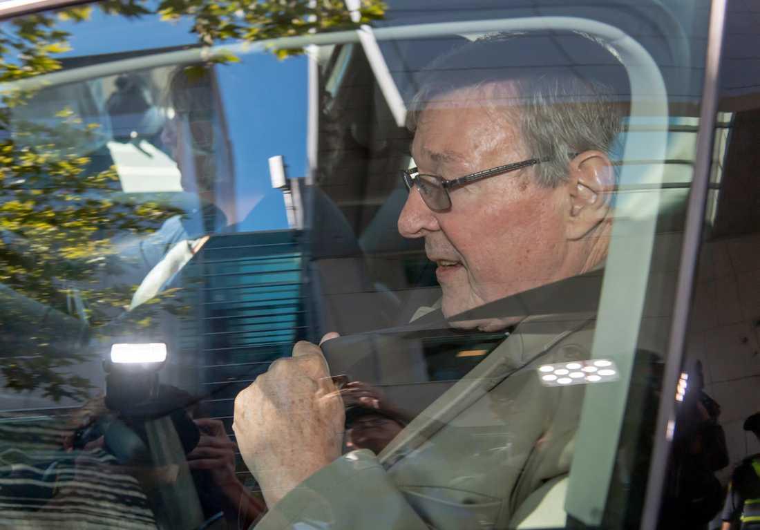 George Pell i samband med en rättsförhandling i Melbourne.
