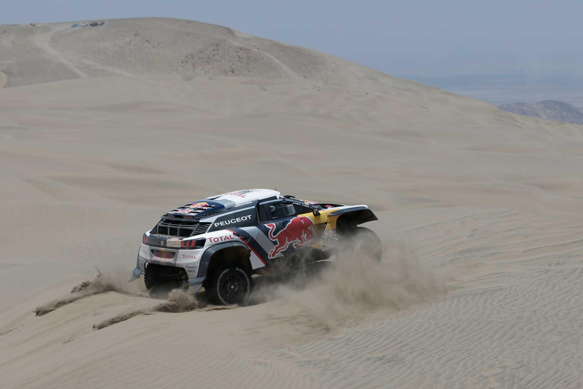 Tuffa veckor för Sebastien Loeb som kör Rally Dakar innan premiären av WRC med Hyundai