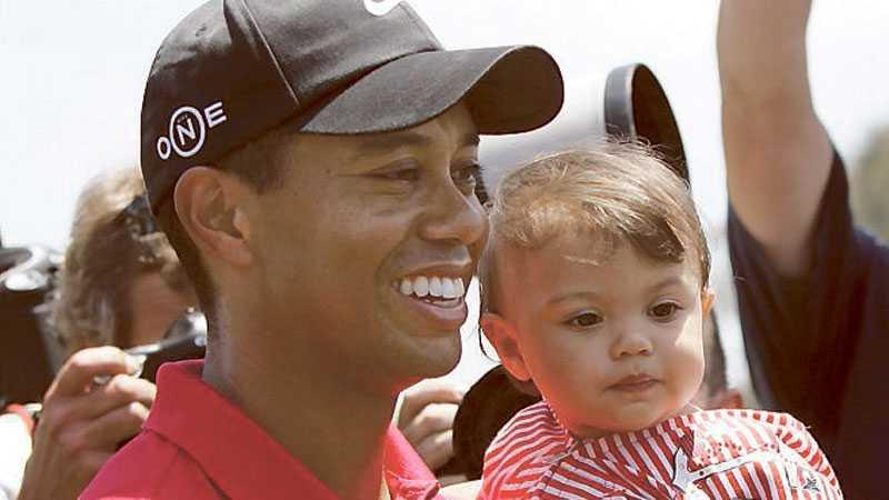 Tiger Woods tillsammans med dottern Sam Alexis.