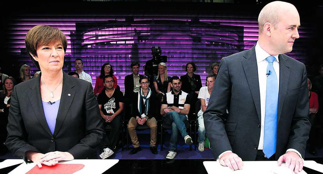 Tuff kamp Mona Sahlins rödgröna börjar nu flåsa Fredrik Reinfeldts allians i nacken. Nya mätningar visar att de rödgrönas stöd bland väljarna ökar.