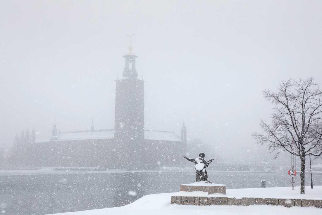 Det kalla vädret betyder livsfara för Stockholms hemlösa.