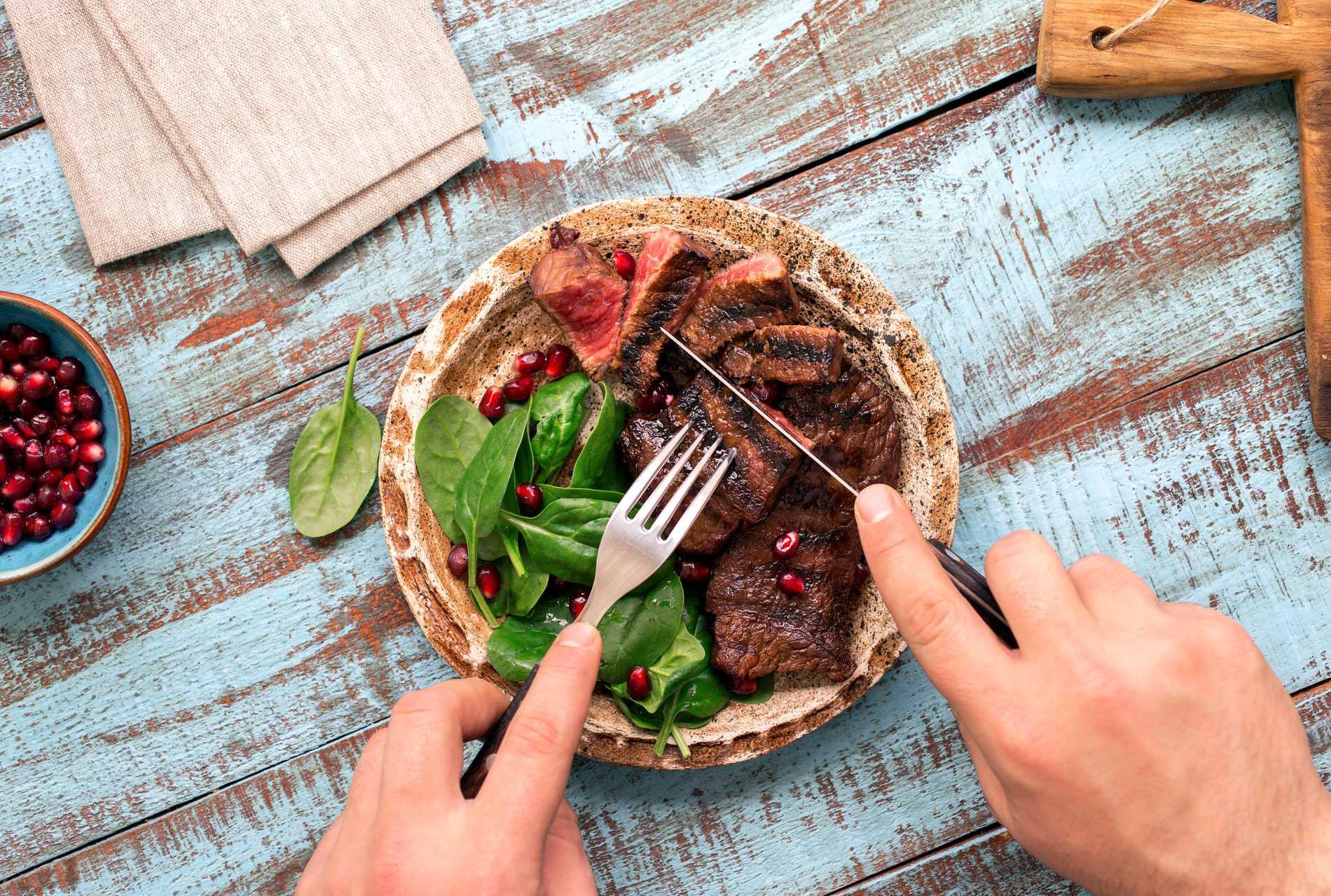 För första gången på tio år börjar det vegetariska ätandet att minska.