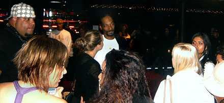 Nattklubben var fullsmockad när Snoop dök upp.