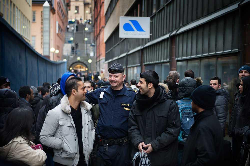 Polisen kallades till platsen för att lugna ner situationen.