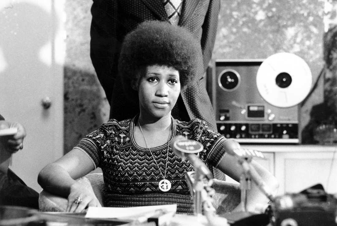 Aretha Franklin under en presskonferens 1973.
