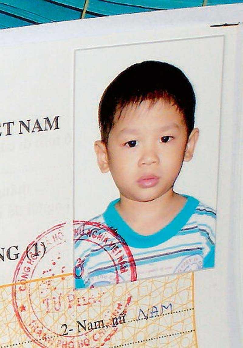Sonen Pax adopterades när han var tre år.