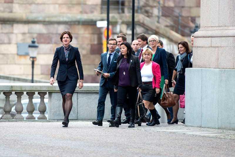 I täten Anna Kinberg Batra är favorit som ny ledare för Moderaterna. Hennes väg till toppen tog fart när hon kom in i riksdagen och nu väntas hon ta över efter Reinfeldt.