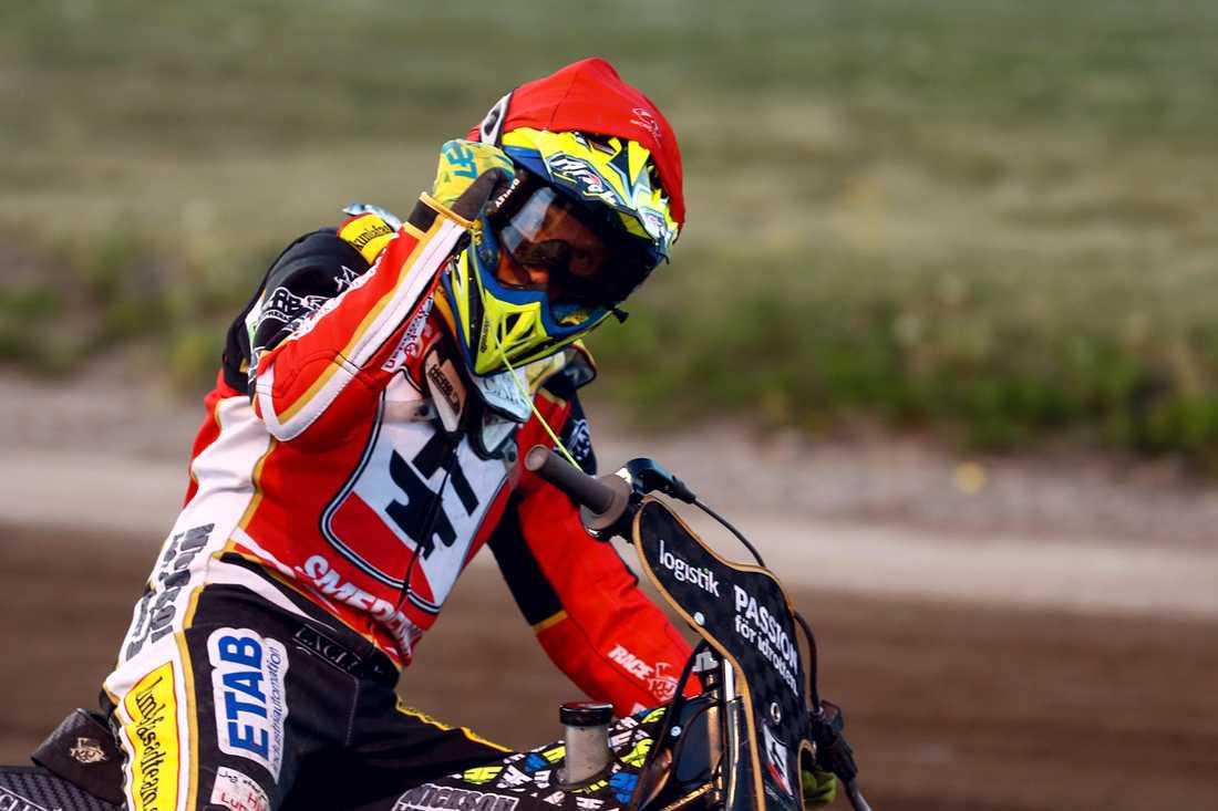 Leon Madsen, som nyligen skrev på för Vetlanda, låg bakom lagets vändning.