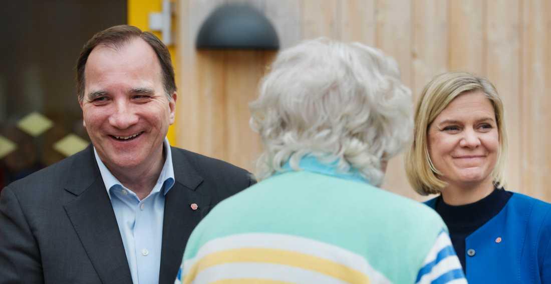 Stefan Löfven och Magdalena Andersson behöver fler äldre i politiken.