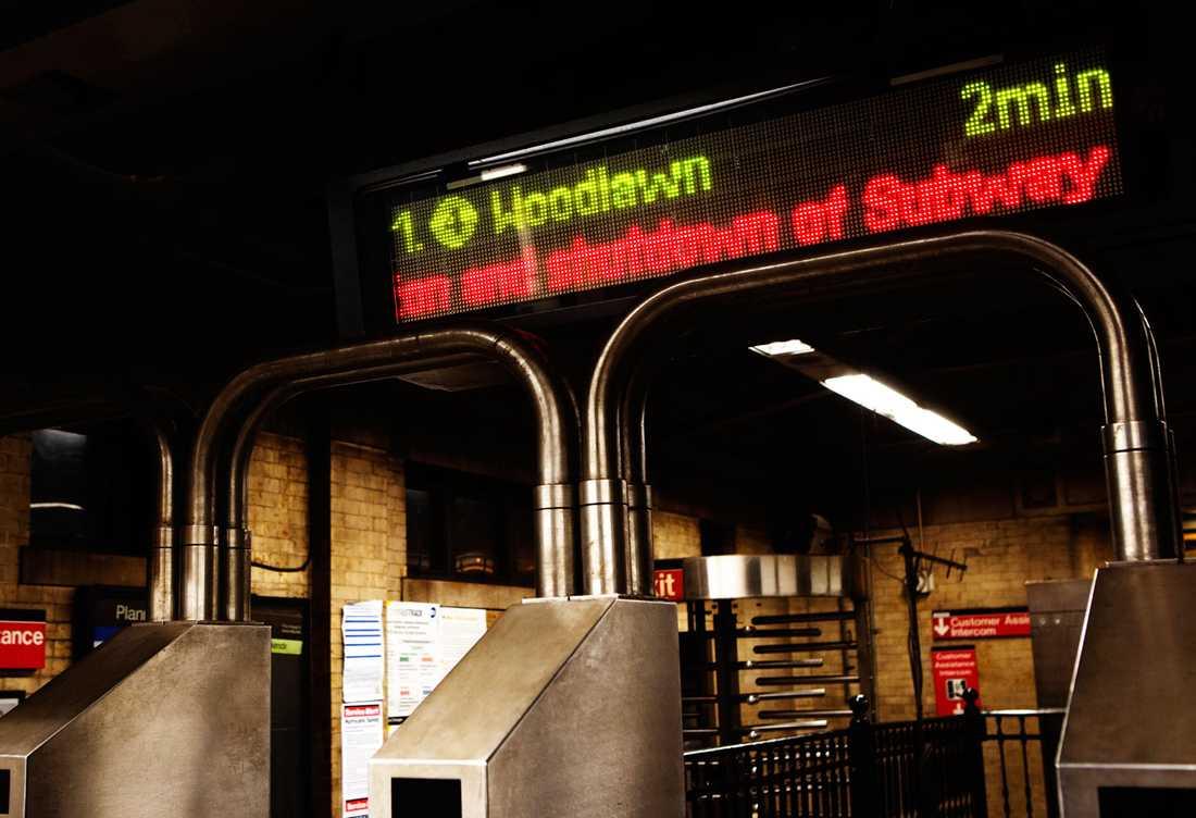 Tunnelbanan i New York stängs på grund av ovädret.