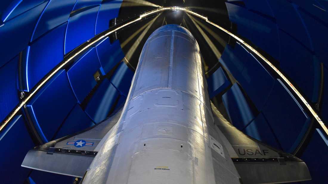 X-37B sköts första gången upp i rymden 2010. Under de fem tidigare uppdragen har farkosten befunnit sig i omloppsbana i totalt 2865 dagar.