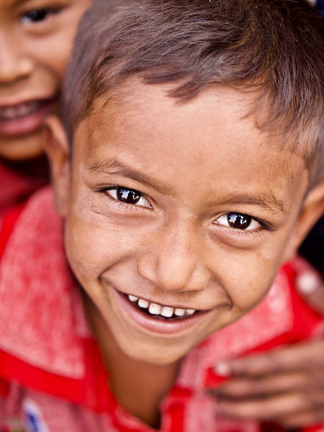 """I projektet """"Children of the world"""" har Wings bland annat donerat 250 000 kronor till olika välgörenhetsinsatser för barn."""