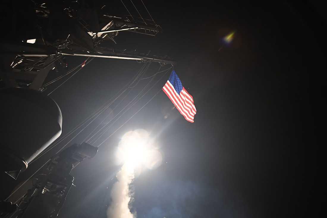 På Trumps order avfyrades 59 missiler mot en militäranläggning i Syrien.
