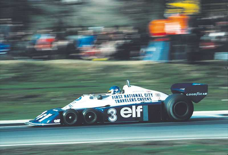 1. Tyrell P34 Bilen från 1976 var enormt uppmärksammad. Tanken var att fyra däck på framaxeln skulle ge bilen bättre fäste, något som man skakar på huvudet åt i dag. Men i Sverige, på Anderstorp, lyckades Jody Scheckter och Patrick Depaillier köra teamet till en dubbelseger. Detta är den enda gången som en sexhjuling vunnit ett GP-lopp, Scheckter kallade sedan bilen för en skithög. Ronnie Petersson körde bilen 1977 utan att nå några framstående resultat.