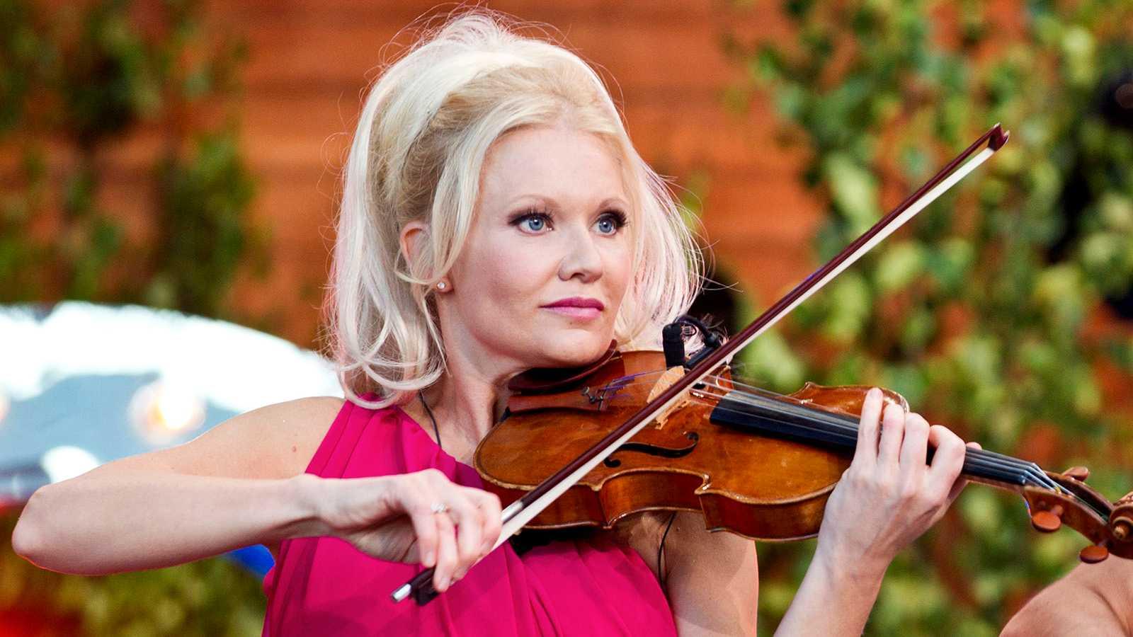 """Linda Lampenius på """"Allsång på Skansen"""" 2012"""