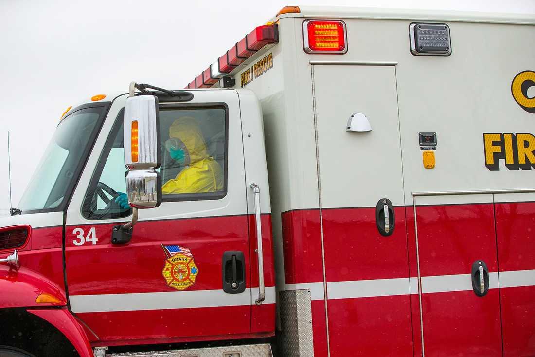 Ambulansen med läkaren på väg till Nebraska Medical Center i Omaha, Nebraska i lördags.