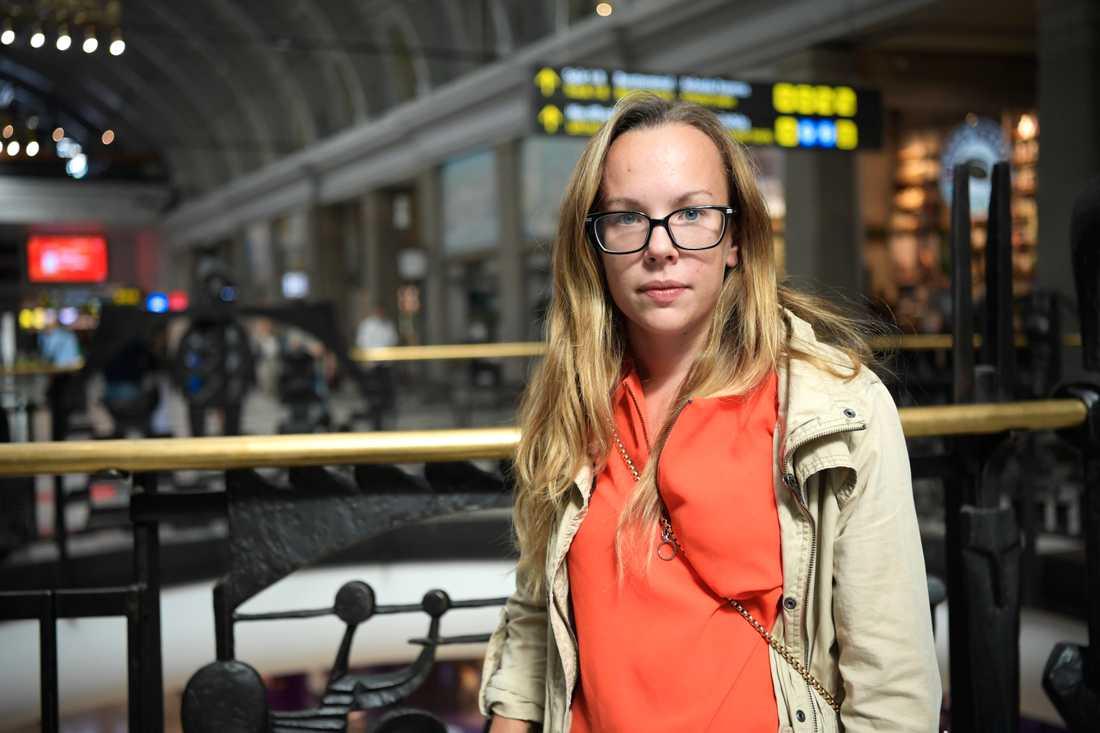 – Jag förstår budskapet. Men Sverige är slappt jämfört med andra länder. Vi behöver ta det här på allvar, säger Jennifer Hagström, 28 år från Stockholm.