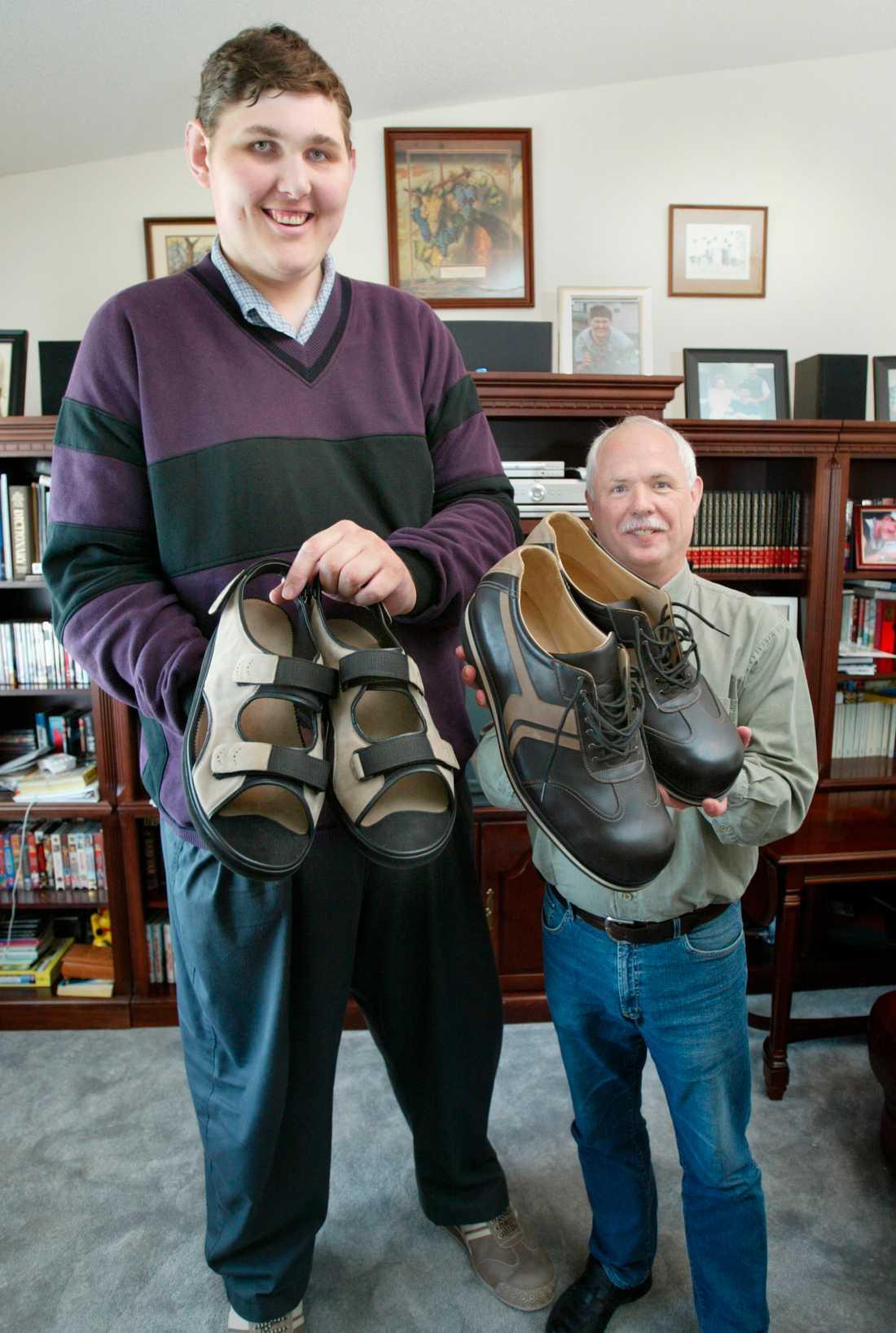 Igor tillsammans med den tyska skomakaren Georg Wessels.