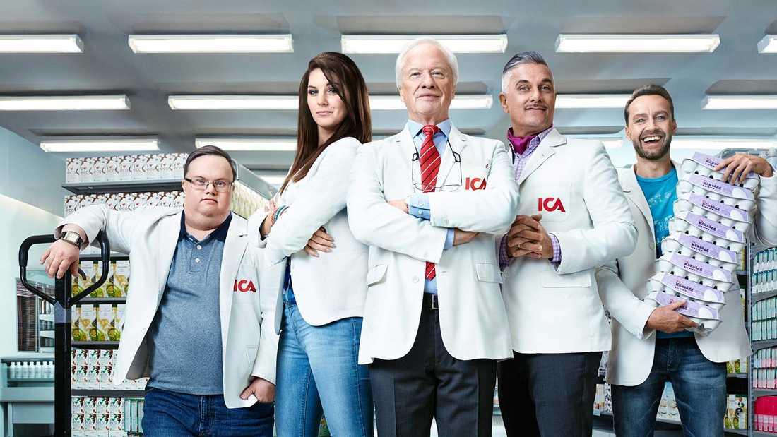 Paul Tilly (längst till höger) som vi är van att se honom i reklamfilmerna.