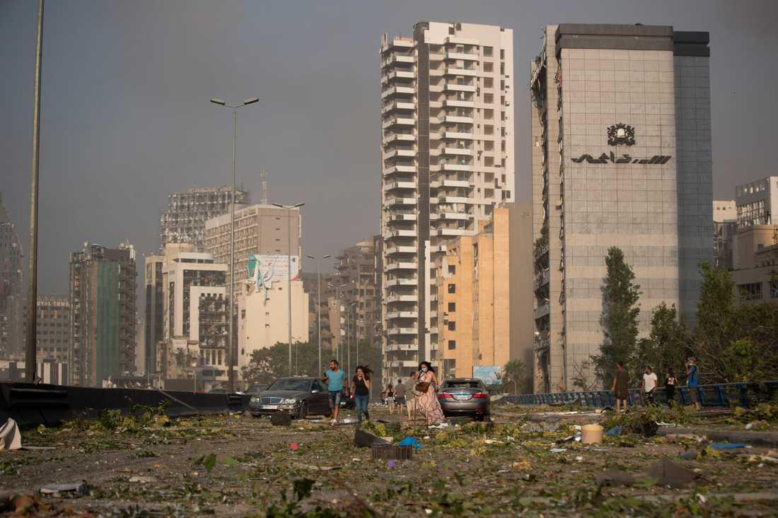 Över 2700 ton ammoniumnitrat ska ha förvarats i en lokal i Beiruts hamn sedan sex år tillbaka.