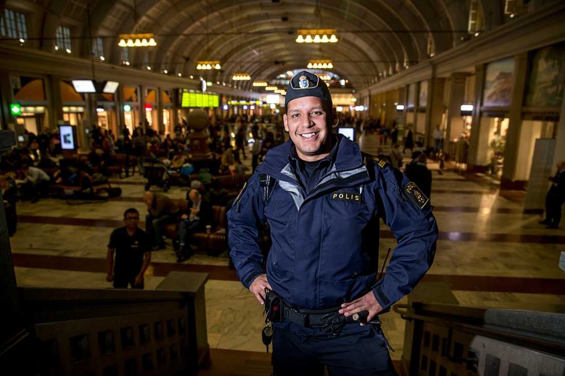 John Franco valde att följa sina drömmar och bli polis. Han trotsade sina vänner och omgivningens förväntningar och brinner i dag för att hjälpa och stötta utsatta ungdomar.