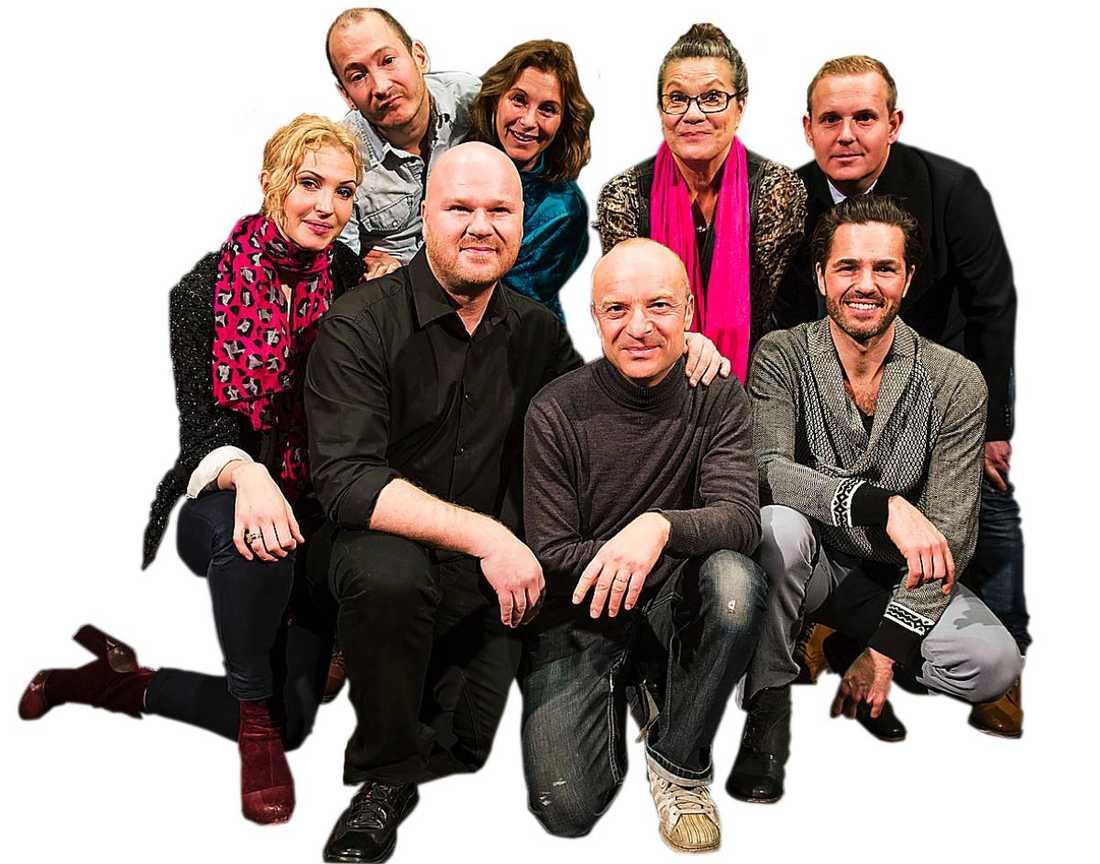 Övre raden från vänstern: Jonas Helgesson, Helen Sjöholm, My Holmsten och Måns Möller. Främre raden från vänster: Frida Westerdahl, Fredrik Kempe, Jonas Gardell och Peter Jöback.