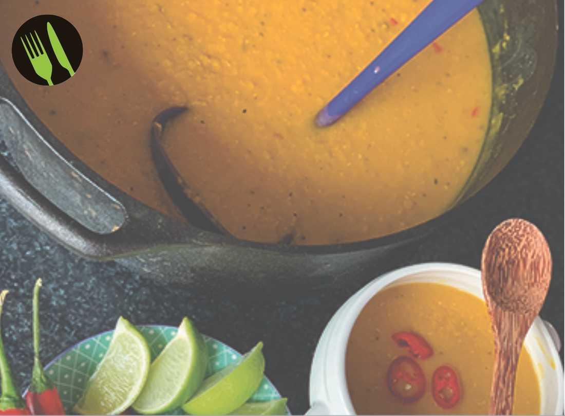 Röd linssoppa med saffran, chili och lime.