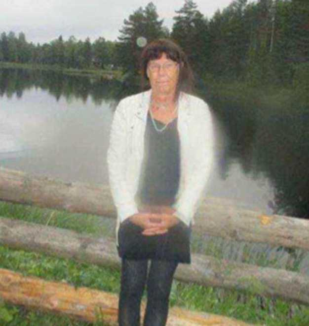 En av de misstänkta tog den här bilden på Madeleine vid en sjö. Kort därefter mördades hon med flera knivhugg.