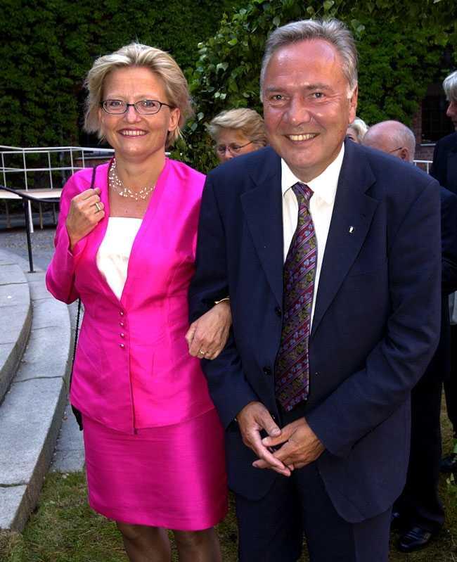 Bo Holmberg och hustrun Anna Lindh på bankett på Stadshuset i Stockholm när staden fyllde 750 år.