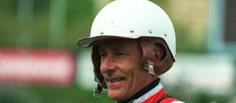 Berndt Lindstedt hade en strålande karriär som kusk och tränare. Nu är det dags för sonen Karl Lindstedt att köra sitt första lopp.