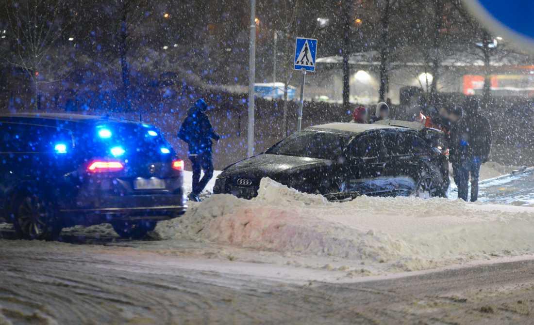 Poliser på plats i Märsta.